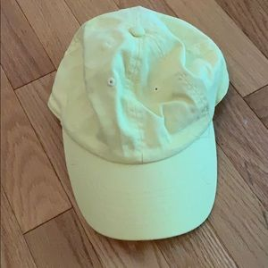 Accessories - Pale yellow hat